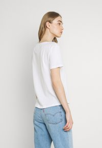 Tommy Jeans - SOFT V NECK TEE - T-shirt - bas - white - 2
