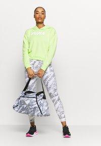 Puma - GRIP BAG 25 L - Sports bag - puma white-untamed - 0