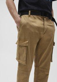 PULL&BEAR - Cargo trousers - beige - 4