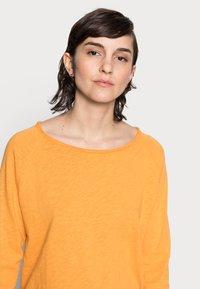 Rich & Royal - Long sleeved top - golden orange - 3