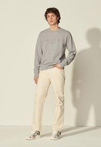 sandro - CREW  - Sweatshirt - gris chiné - 0