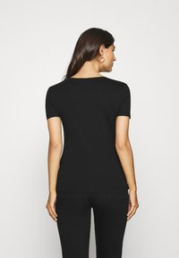 Guess - GENNY TEE - T-shirts med print - jet black - 2