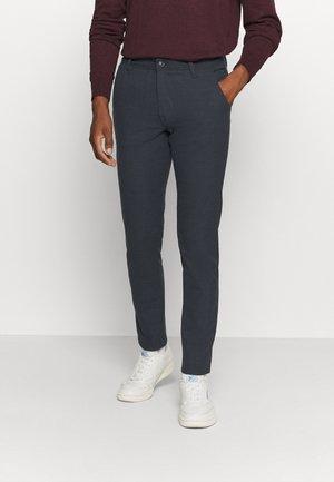 SLHSLIM STORM FLEX SMART PANTS - Trousers - dark sapphire