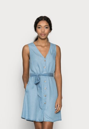VMVIVIANA SHORT DRESS PETITE - Denim dress - light blue denim