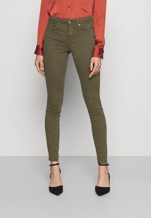 ONLWAUW LIFE - Jeans Skinny Fit - kalamata