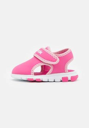 WAVE GLIDER III UNISEX - Sandales de randonnée - kicks pink/classic pink/white