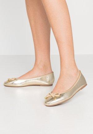 WIDE FIT PEACH  - Ballet pumps - gold