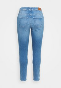 Vero Moda Curve - VMLUX - Slim fit jeans - light blue denim - 1