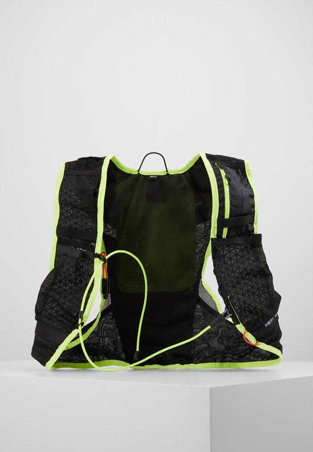 VERT - Sac avec poche d'eau - asphalt/ fluorecent yellow