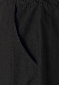 Kangol - BOSTON - Szorty - black - 7