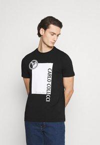 Carlo Colucci - BLOCK - Print T-shirt - black - 0