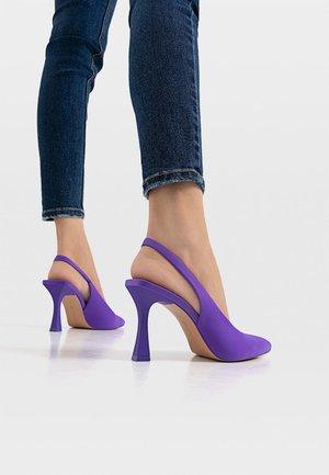 MIT OFFENER  - Classic heels - purple