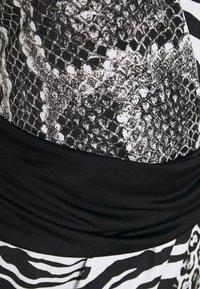 Just Cavalli - Pouzdrové šaty - back - 2