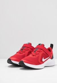 Nike Performance - DOWNSHIFTER 10 - Zapatillas de running neutras - universe red/white/black - 3