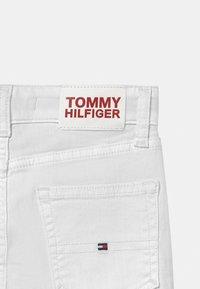 Tommy Hilfiger - SCANTON SLIM - Slim fit jeans - bright white - 2
