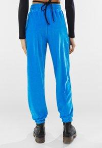 Bershka - Pantaloni sportivi - blue - 2