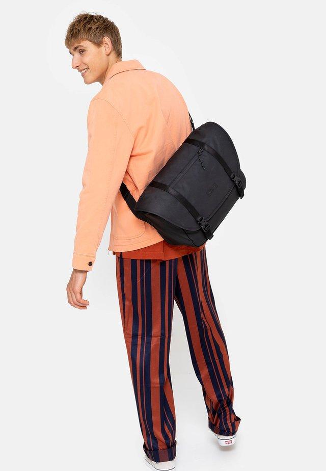 BOSTON - Weekend bag - surfaced black