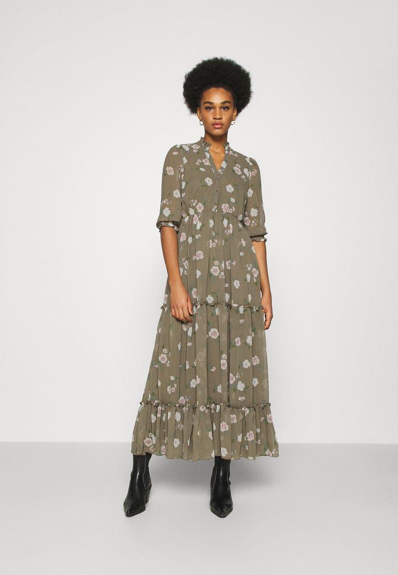 Vero Moda - VMTALLIE FLOUNCE  - Maxi dress - bungee cord