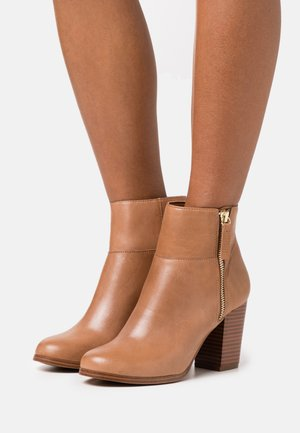 PRESPA - Ankle boot - beige