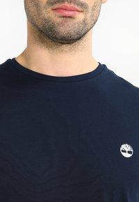 Timberland - CREW CHEST - Basic T-shirt - dark sapphir - 3
