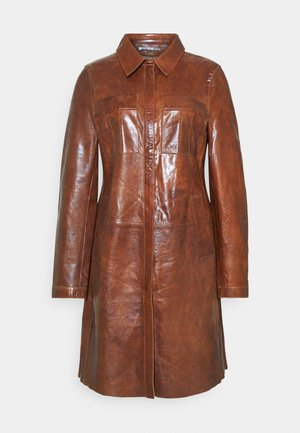 FREJA - Krótki płaszcz - cognac