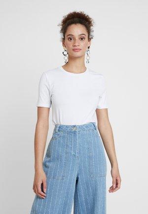 ESTER - Basic T-shirt - white