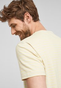 s.Oliver - Print T-shirt - yellow - 4