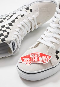 Vans - SK8 REISSUE - High-top trainers - white/black - 5