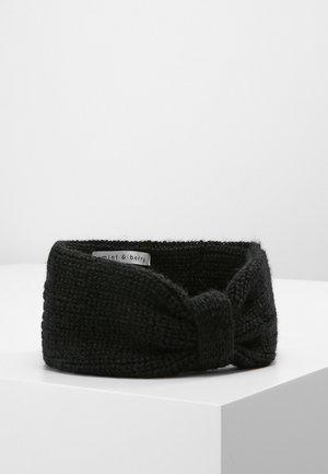 Čelenka - black
