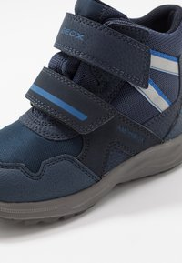 Geox - KURAY BOY - Winter boots - navy/royal - 2
