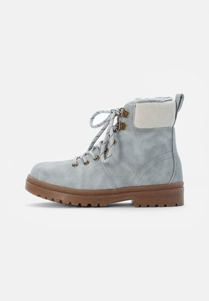 CRAFTED HIKER BOOT - Lace-up ankle boots - winter grey