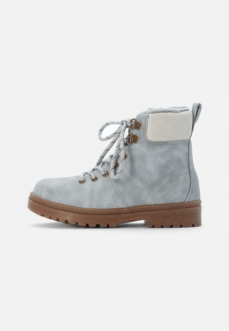 Cotton On - CRAFTED HIKER BOOT - Botines con cordones - winter grey