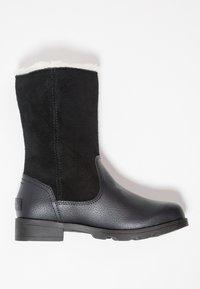 Sorel - EMELIE FOLD-OVER - Winter boots - black - 1