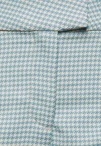 Weekday - KINNI PLEAT TROUSER - Trousers - blue - 5