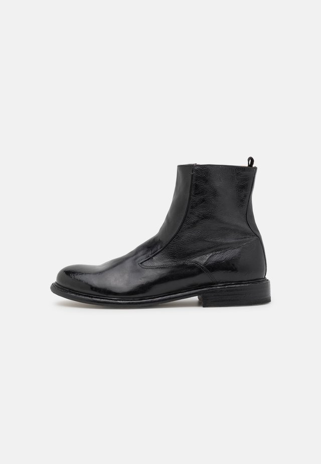 TOPO  - Classic ankle boots - washed black