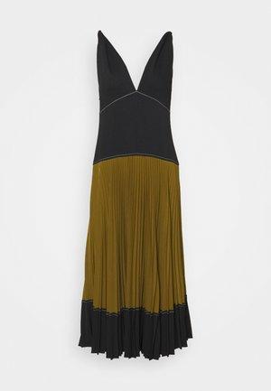 COLORBLOCKED PLEATED DRESS - Denní šaty - black/military