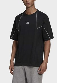 adidas Originals - Print T-shirt - black - 6