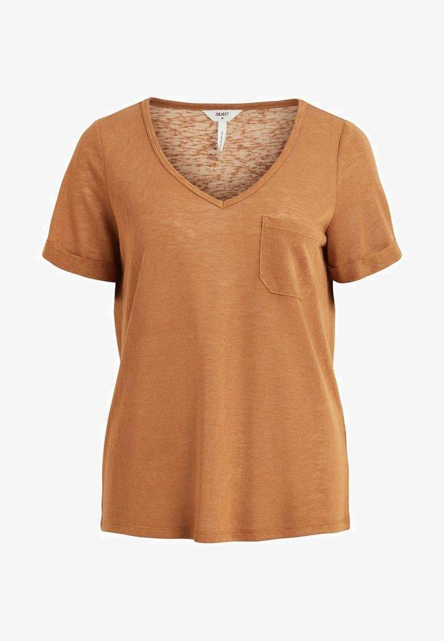 OBJTESSI SLUB V NECK - Basic T-shirt - chipmunk