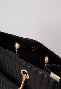 New Look - HUGO QUILTED TOTE - Tote bag - black - 3