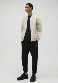 PULL&BEAR - Giubbotto Bomber - light brown - 1