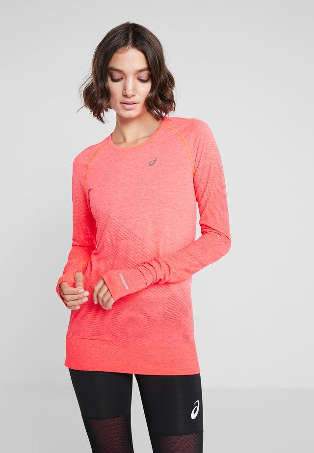 SEAMLESS TEXTURE - T-shirt sportiva - laser pink