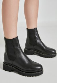 Inuovo - Classic ankle boots - black blk - 0