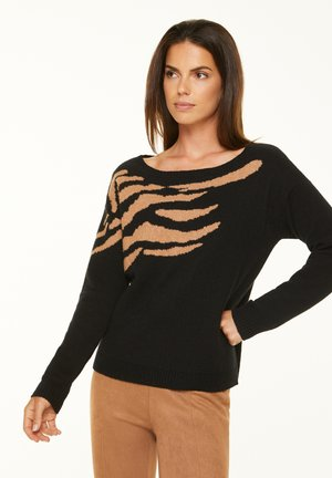 Jumper - black placed intarsia knit