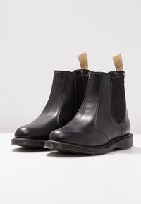 Dr. Martens - VEGAN FLORA CHELSEA BOOT - Classic ankle boots - black felix - 4
