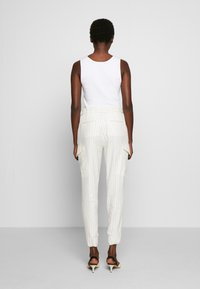 CLOSED - JADE - Trousers - white - 2