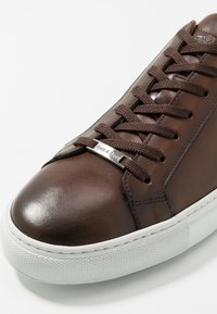 Brett & Sons - Sneakersy niskie - cognac - 5