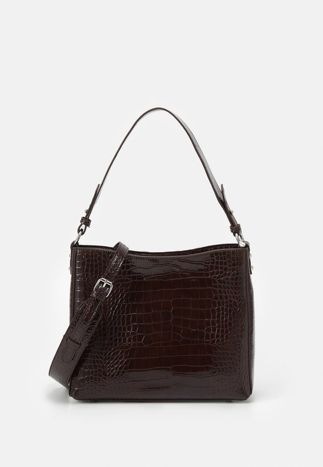 AMBLE CROCO - Handtas - dark burgundy