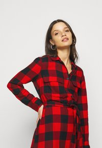 GAP Petite - UTILITY DRESS - Shirt dress - red - 3