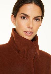 comma - Classic coat - chestnut - 3