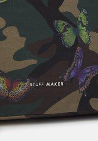 STUFF MAKER - QUEENS WAY BACKPACK SHOPPER - Sac à dos - green - 4